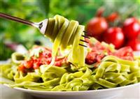 Spinach pasta for marathon carbo-loading